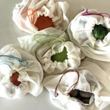 Biome Lightweight Organic Cotton Produce Bag Set of 5 in Pouch (coloured drawstrings)