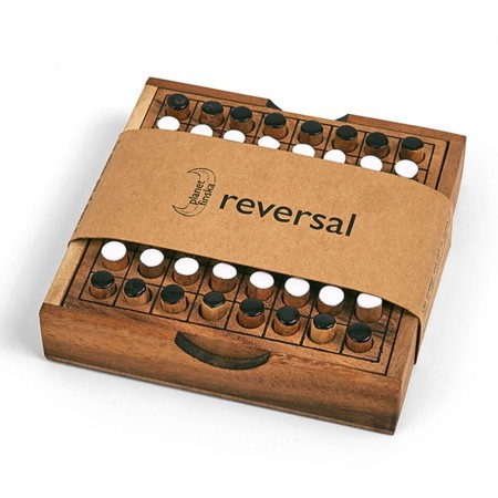 Reversal travel classic wooden game by Planet Finska