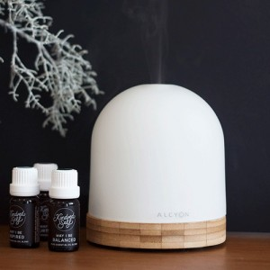Ways to relax and detox this festive season - Sol aroma diffuser